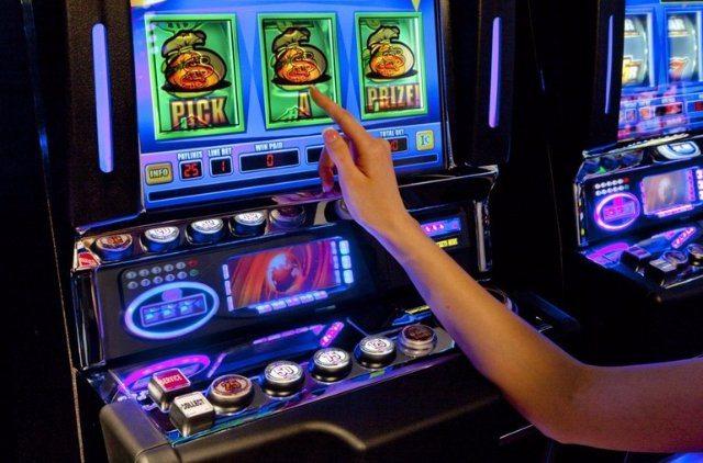 Играйте на реальные деньги в клубе Вулкан 24, и выигрыш не заставит себя ждать!