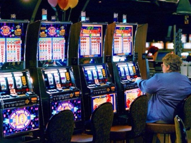 Изобилие игровых слотов и бонусы на сайте казино Азино 777